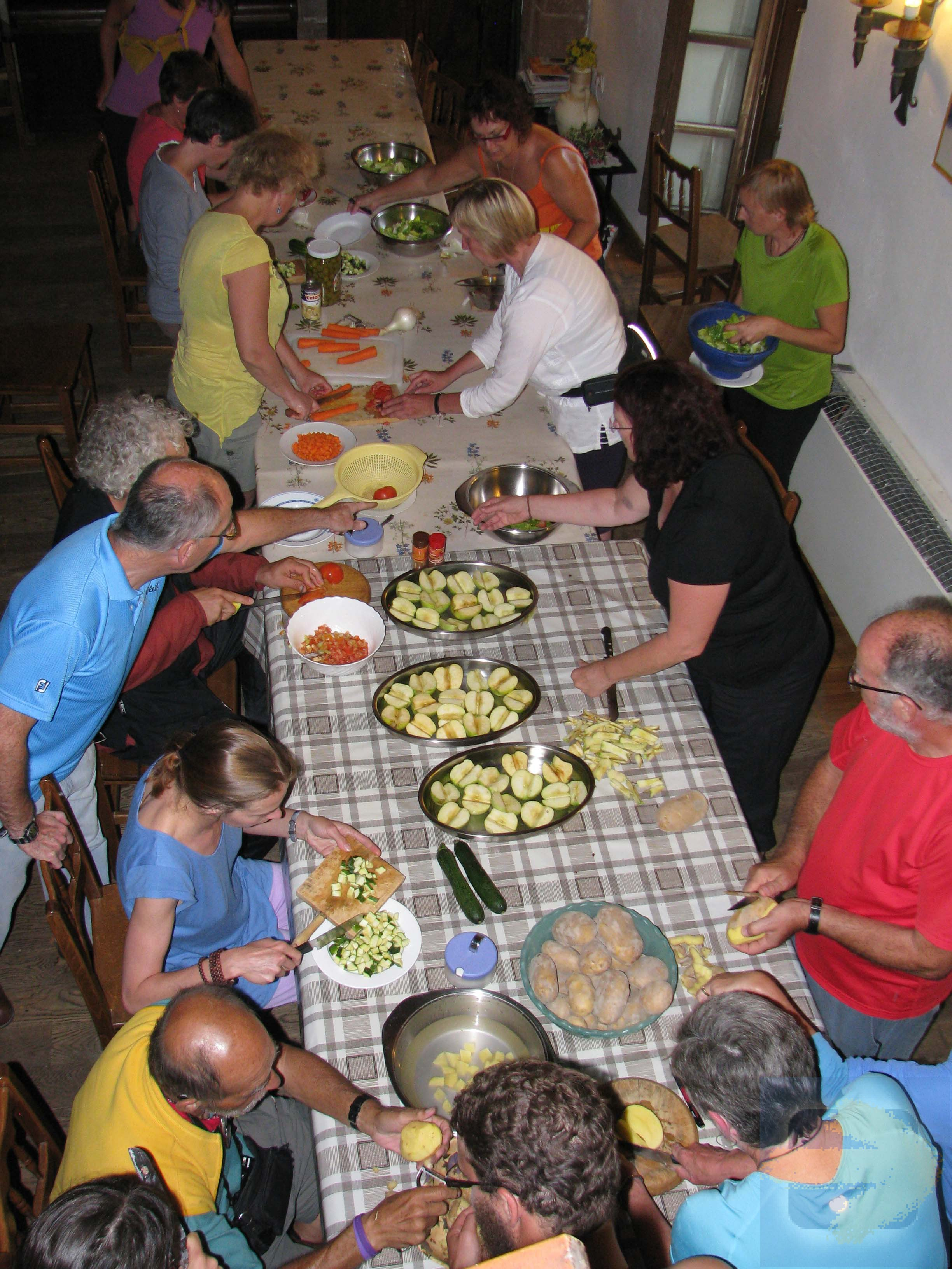 Preparing  the dinner at   Albergue Parochial, Grañon